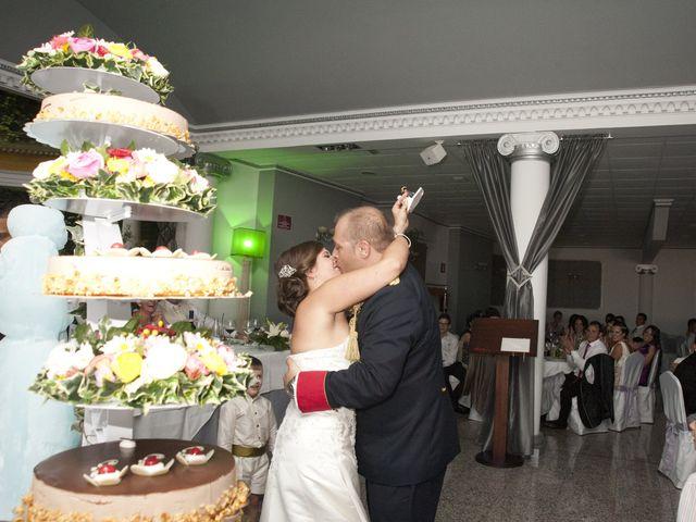 La boda de Julián y Soledad en Tarazona De La Mancha, Albacete 27