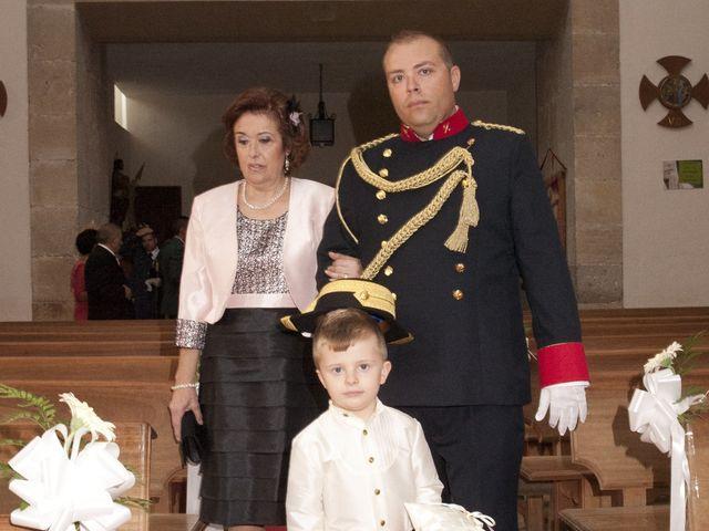 La boda de Julián y Soledad en Tarazona De La Mancha, Albacete 14