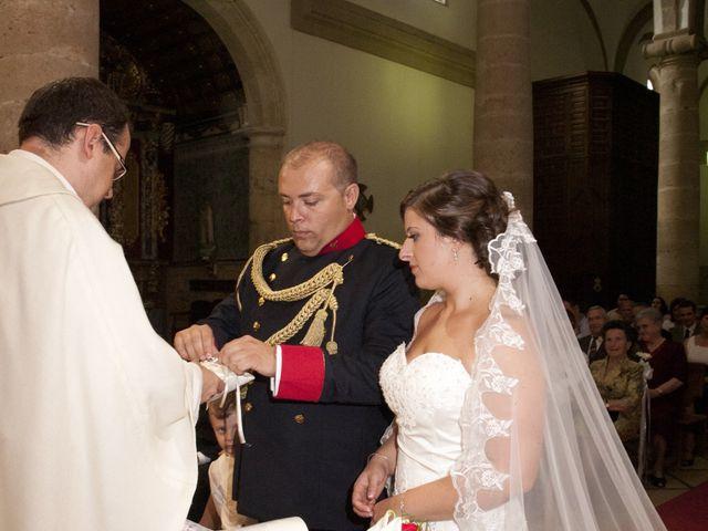 La boda de Julián y Soledad en Tarazona De La Mancha, Albacete 17