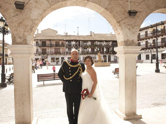 La boda de Julián y Soledad en Tarazona De La Mancha, Albacete 19