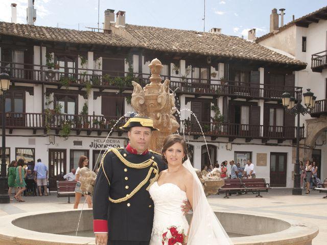 La boda de Julián y Soledad en Tarazona De La Mancha, Albacete 20