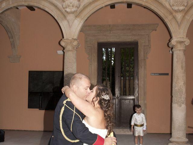 La boda de Julián y Soledad en Tarazona De La Mancha, Albacete 30