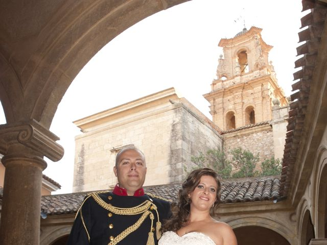 La boda de Julián y Soledad en Tarazona De La Mancha, Albacete 33