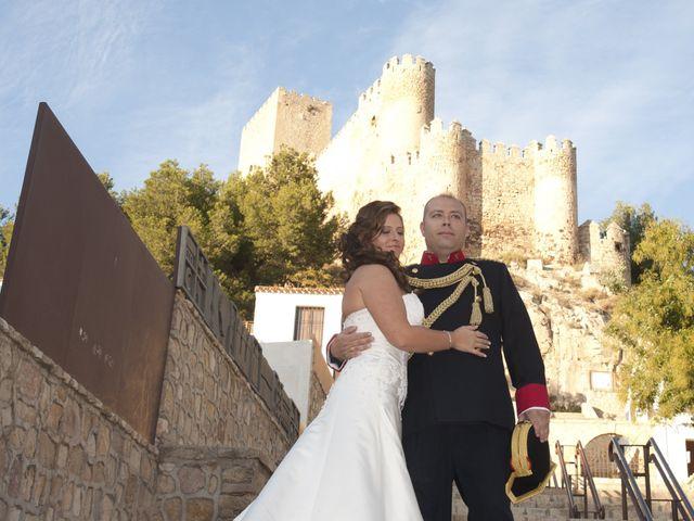 La boda de Julián y Soledad en Tarazona De La Mancha, Albacete 34