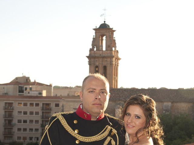 La boda de Julián y Soledad en Tarazona De La Mancha, Albacete 35