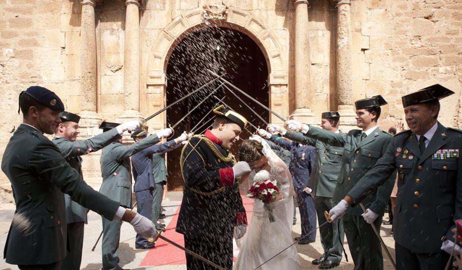La boda de Julián y Soledad en Tarazona De La Mancha, Albacete