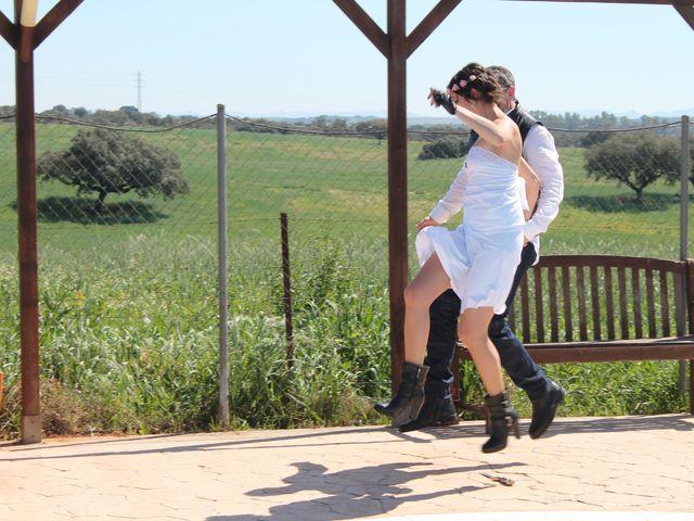 La boda de Tony y Soraya en Badajoz, Badajoz 11