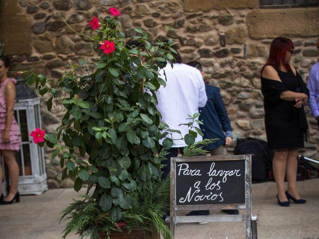La boda de Omar y Davinia  en Santo Domingo De La Calzada, La Rioja 3