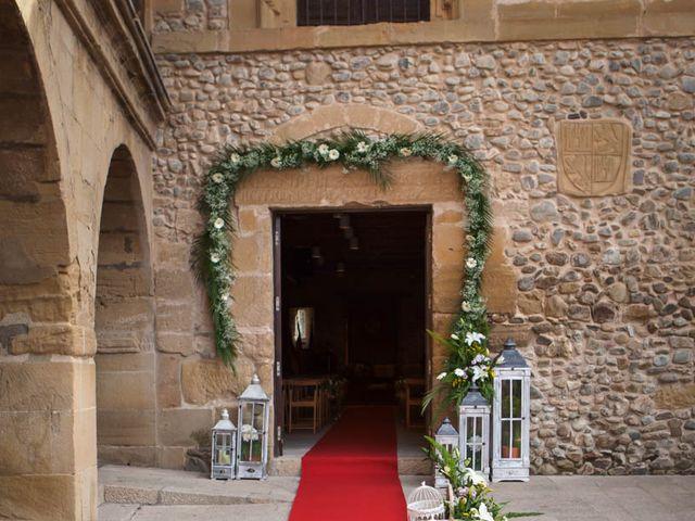 La boda de Omar y Davinia  en Santo Domingo De La Calzada, La Rioja 4