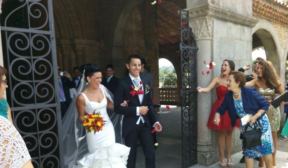 La boda de JAVI y VERO en Gijón, Asturias