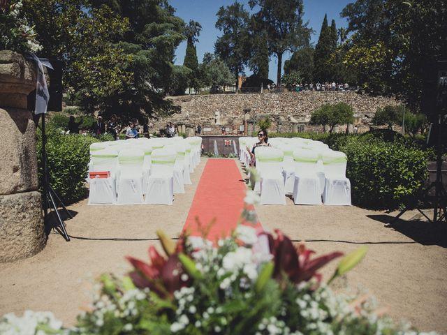 La boda de Aritz y Vanessa en Mérida, Badajoz 20