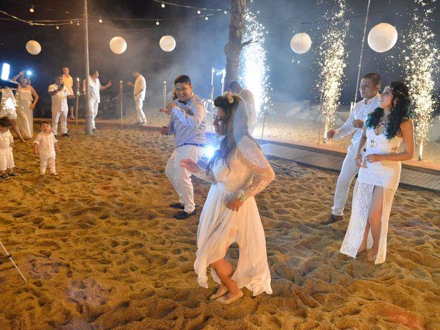 La boda de Javier y Diana en Canet De Mar, Barcelona 108