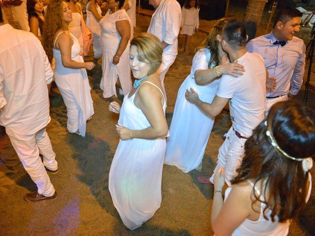 La boda de Javier y Diana en Canet De Mar, Barcelona 111