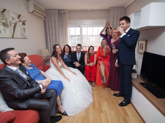 La boda de Adrián y Alba en El Puig, Valencia 9