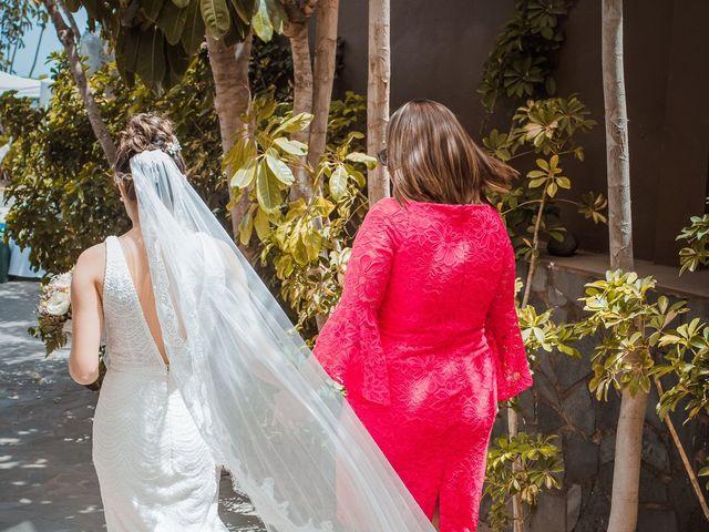 La boda de Borja y Emicel en Santa Cruz De Tenerife, Santa Cruz de Tenerife 9