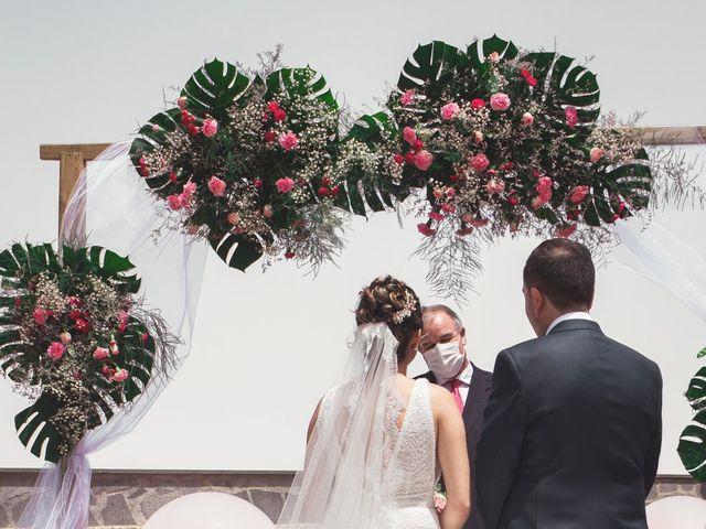La boda de Borja y Emicel en Santa Cruz De Tenerife, Santa Cruz de Tenerife 12