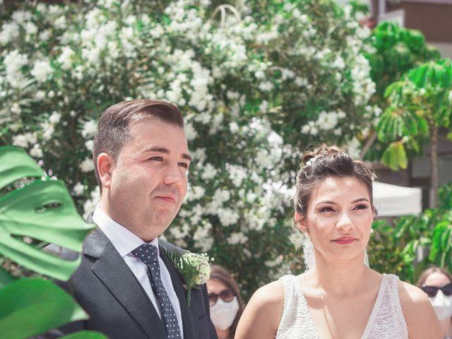 La boda de Borja y Emicel en Santa Cruz De Tenerife, Santa Cruz de Tenerife 15