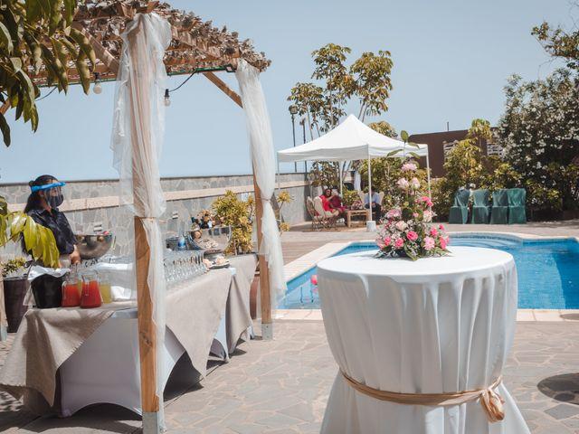 La boda de Borja y Emicel en Santa Cruz De Tenerife, Santa Cruz de Tenerife 26