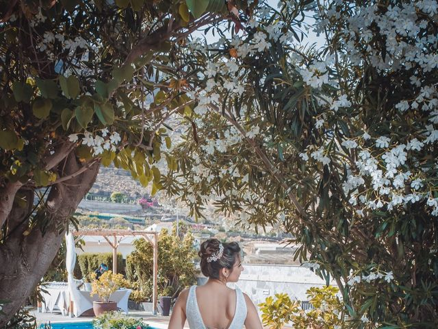 La boda de Borja y Emicel en Santa Cruz De Tenerife, Santa Cruz de Tenerife 34