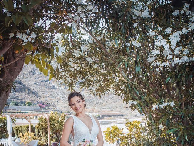 La boda de Borja y Emicel en Santa Cruz De Tenerife, Santa Cruz de Tenerife 35