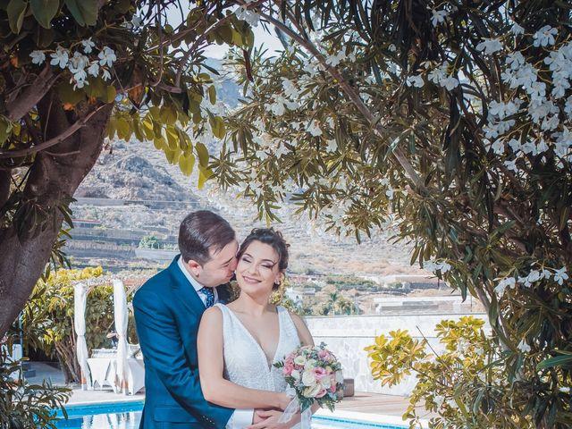 La boda de Borja y Emicel en Santa Cruz De Tenerife, Santa Cruz de Tenerife 36
