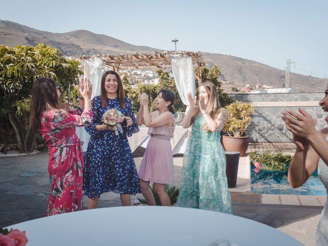 La boda de Borja y Emicel en Santa Cruz De Tenerife, Santa Cruz de Tenerife 41