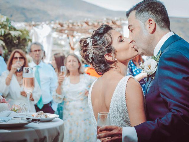 La boda de Borja y Emicel en Santa Cruz De Tenerife, Santa Cruz de Tenerife 42