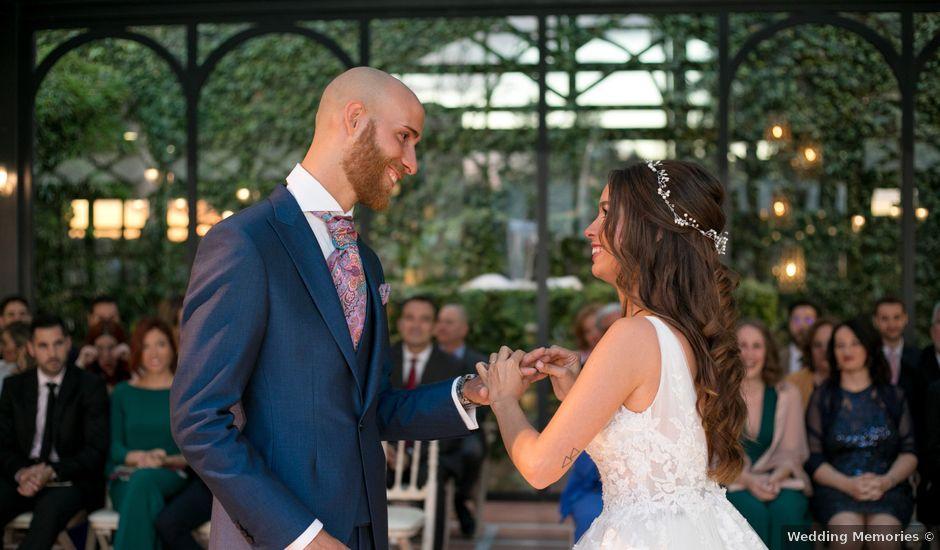 La boda de Adrián y Alba en El Puig, Valencia