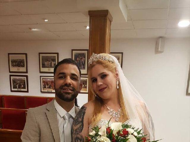 La boda de Miguel y Desiree  en Mislata, Valencia 1