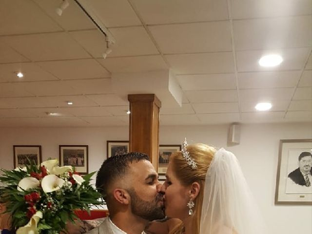 La boda de Miguel y Desiree  en Mislata, Valencia 3