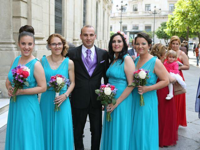 La boda de Javi y Libertad en Sevilla, Sevilla 18