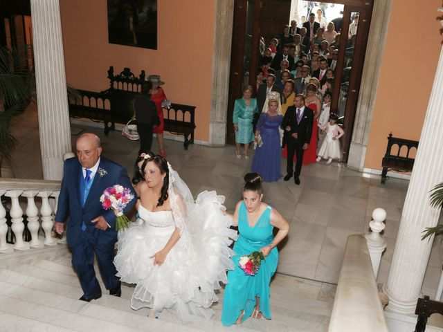 La boda de Javi y Libertad en Sevilla, Sevilla 19