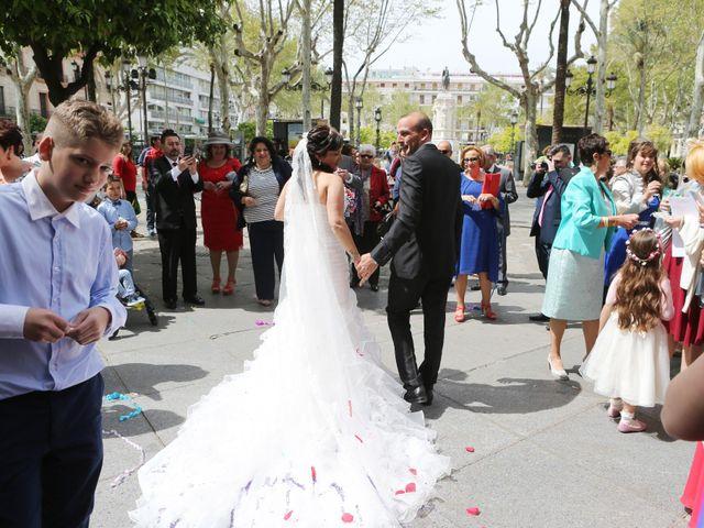La boda de Javi y Libertad en Sevilla, Sevilla 24