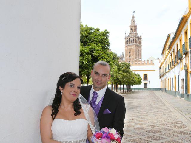 La boda de Javi y Libertad en Sevilla, Sevilla 29