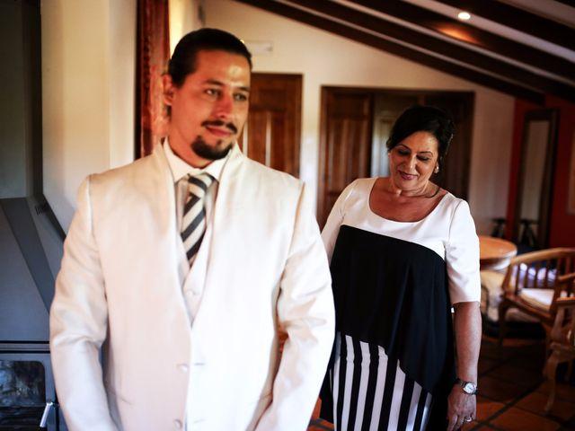 La boda de Cesar y Alejandra en Castelló/castellón De La Plana, Castellón 21