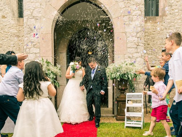 La boda de Javier y Lucía en Llanes, Asturias 12