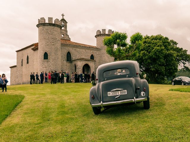 La boda de Javier y Lucía en Llanes, Asturias 2