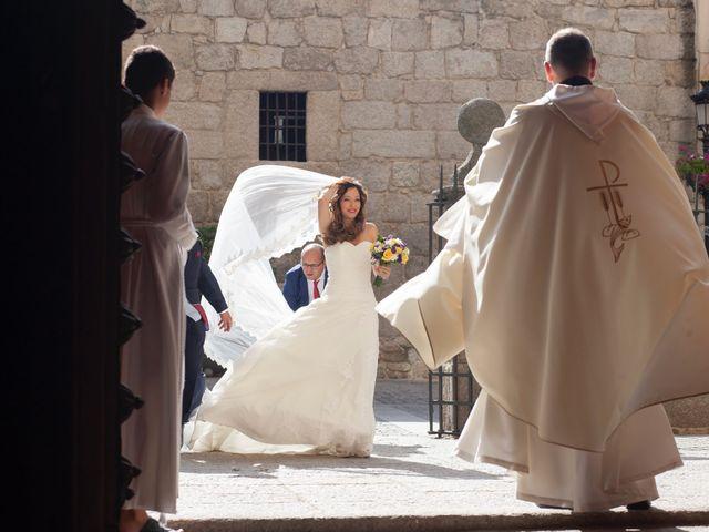 La boda de Jonathan y Sara en El Vellon, Madrid 11