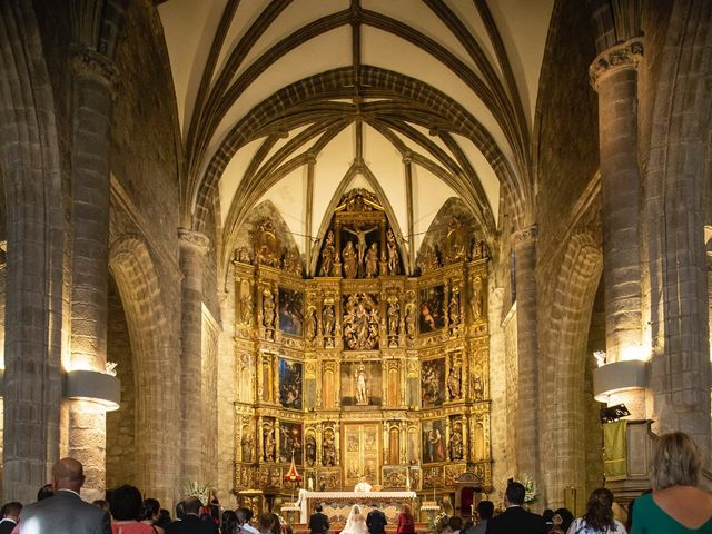 La boda de Jonathan y Sara en El Vellon, Madrid 17