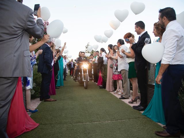 La boda de Jonathan y Sara en El Vellon, Madrid 24