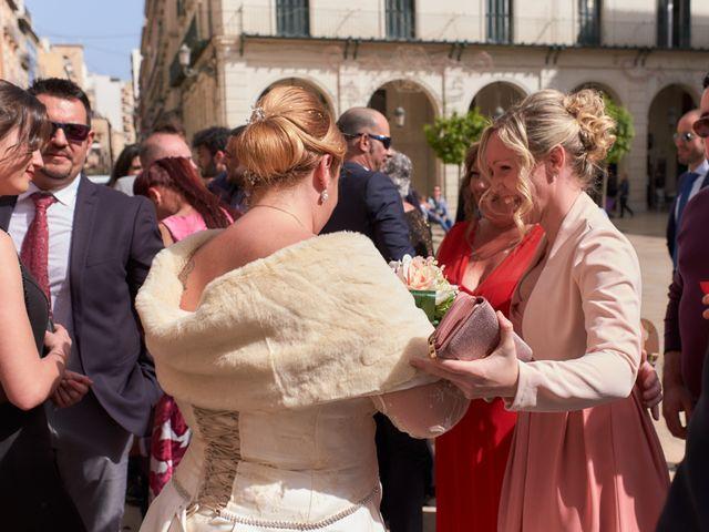 La boda de Antonio Javier y Sonia en Alacant/alicante, Alicante 26