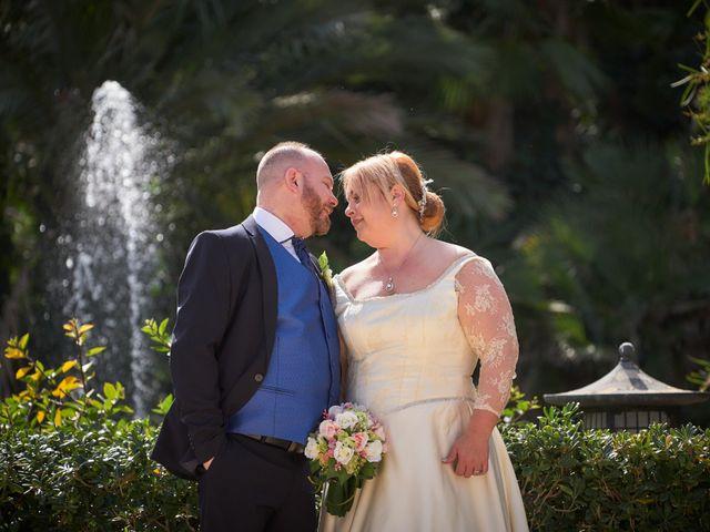 La boda de Antonio Javier y Sonia en Alacant/alicante, Alicante 21