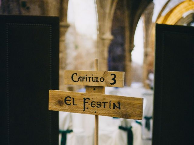 La boda de Lorenzo y Elena en Monasterio De Piedra, Zaragoza 29