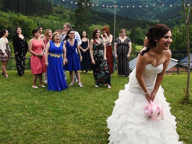 La boda de Jose y María en Zeanuri, Vizcaya 7