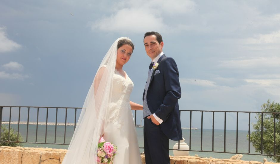 La boda de David y Victoria en Santa Faz, Alicante