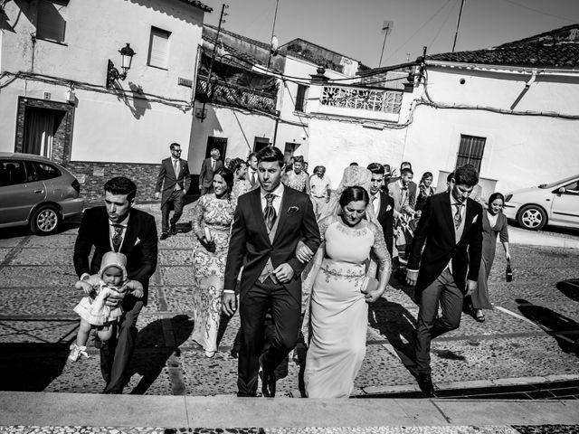 La boda de Antonio y María del Carmen en La Parra, Badajoz 22