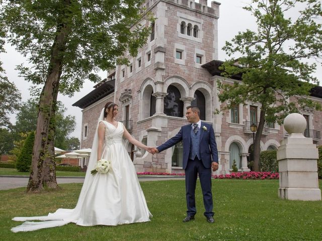 La boda de José María  y Raluca en Oviedo, Asturias 2