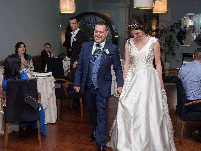 La boda de José María  y Raluca en Oviedo, Asturias 7
