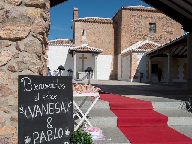 La boda de Pablo y Vanesa en Mora, Toledo 15
