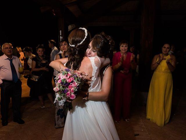 La boda de Beatriz y Roberto en Almodovar Del Campo, Ciudad Real 24